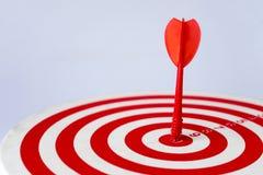 Fermez-vous vers le haut de la cible rouge Photo libre de droits