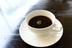 Fermez-vous vers le haut de la cuvette de café Photographie stock