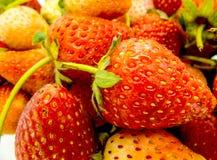 Fermez-vous vers le haut de la fraise photos stock