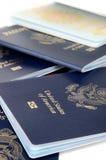 Passeports fermés et ouverts image libre de droits