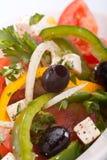 Fermez-vous vers le haut de la salade grecque saine Images libres de droits