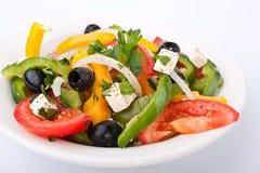 Fermez-vous vers le haut de la salade grecque saine Photographie stock