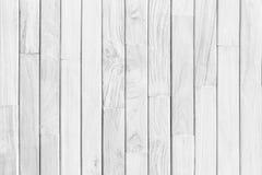 Fermez-vous vers le haut de la table en bois rustique avec la texture de grain dans le style de vintage Image stock