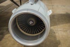 Fermez-vous vers le haut de la turbine de moteur à réaction de l'avion Photographie stock