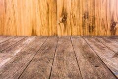 Fermez-vous vers le haut de la vieille planche en bois Photo libre de droits