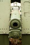 Fermez-vous vers le haut de la vue d'un canon vert de vintage de la première guerre mondiale Photo libre de droits