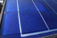 Fermez-vous vers le haut de la vue d'un panneau solaire Photo libre de droits