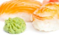Fermez-vous vers le haut de la vue des sushi de nigiri Image libre de droits