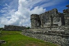Fermez-vous vers le haut de la vue du temple antique dans Tulum Mexique Image libre de droits