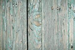 Fermez-vous vers le haut de vieilles planches superficielles par les agents avec la peinture d'écaillement Images libres de droits