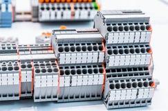 Fermez-vous vers le haut des connecteurs de câblage, TB Image libre de droits
