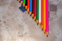 Fermez-vous vers le haut des crayons colorés Photographie stock