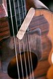 Fermez-vous vers le haut des ficelles d'instrument de musique et sélectionnez photos stock