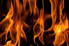 Fermez-vous vers le haut des flammes Photographie stock libre de droits