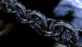 Fermez-vous vers le haut des maillons de chaîne en acier Image libre de droits
