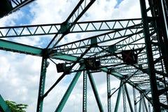 Fermez-vous vers le haut des poutres de pont de pont commémoratif photo stock