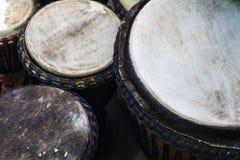 Fermez-vous vers le haut des tambours de bongos Photographie stock libre de droits