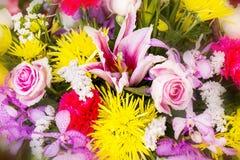 Fermez-vous vers le haut du fond de fleurs de résumé Photographie stock libre de droits