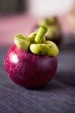 Fermez-vous vers le haut du fruit de mangoustan Photo stock