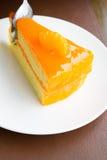 Fermez-vous vers le haut du gâteau orange Photo libre de droits