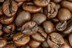 Fermez-vous vers le haut du grain de café Photo stock