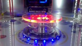 Fermez-vous vers le haut du jeu de rotation de roue à l'intérieur du cinéma banque de vidéos