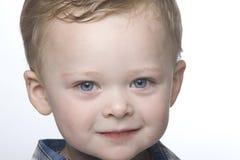Fermez-vous vers le haut du petit garçon. photographie stock libre de droits