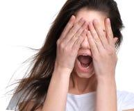 Fermez-vous vers le haut du portrait de l'OU criarde frustrante de hurlement fâchée de femme Photo libre de droits