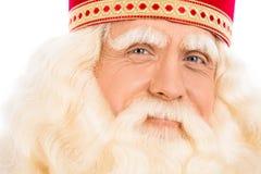 Fermez-vous vers le haut du portrait Santa Claus de sourire images stock