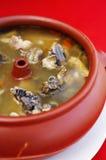 Fermez-vous vers le haut du potage chinois de poulet et aux légumes Photographie stock