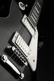 Fermez-vous vers le haut du projectile de la guitare électrique Image stock