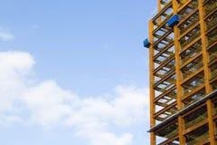 Fermez-vous vers le haut du regard au chantier de construction Images stock