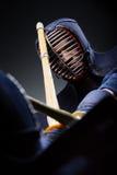 Fermez-vous vers le haut du tir de la concurrence de deux chasseurs de kendo image libre de droits
