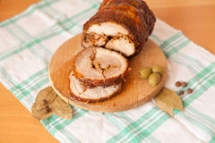 Fermez-vous vers le haut du tir du pain de viande coupé en tranches de porc Photos libres de droits