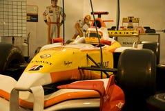 Fermez-vous vers le haut du véhicule de la formule 1 à l'expo Photographie stock libre de droits