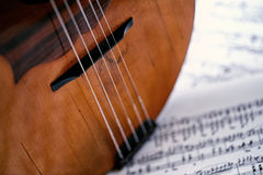 Fermez-vous vers le haut du vieil instrument de musique de partie images libres de droits
