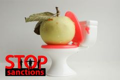 Fermi il concetto di sanzioni lettere e Fotografie Stock