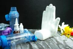 Fermi l'asma del concetto di allergia, del polline stagionale e del alle del fiore Fotografia Stock Libera da Diritti