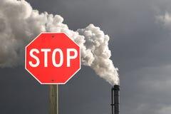 Fermi l'inquinamento del fumaiolo Immagini Stock