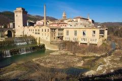 Fermignanodorp in het gebied van Marche stock afbeeldingen