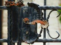 Fermo ornamentale del portone del metallo Immagini Stock Libere da Diritti