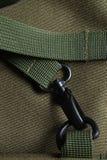 Fermoir tactique en métal de noir de sac d'armée de fourre-tout Photographie stock