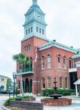 FERNANDINA-STRAND, FL - FEBRUARI 15, 2016: Stadsbyggnader på en ov Arkivbild