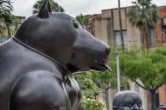 Fernando Botero Sculpture na plaza Botero, Medellin, Colômbia imagens de stock royalty free