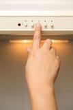 Fernbedienung verwiesen auf Klimaanlage systrem lizenzfreies stockbild