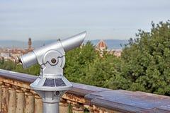 Ferngläser mit einer herrlichen Aussicht von Florenz Stockbild