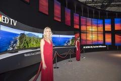Fernsehen Fahrwerk-4K Oled Stockbilder