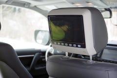Fernsehen im Auto Stockfotografie