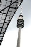 Fernsehkontrollturm in München (olympischer Park) Stockfotos