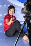 Fernsehreporter im Studio Stockfotografie
